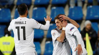 FT buitenland. Chakvetadze scoort voor ogen van Barça-scouts - VAR maakt volgend seizoen intrede in Premier League