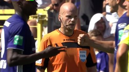Wie trapt de strafschoppen bij Anderlecht? Dimata en Santini beslissen met dit eeuwenoud spelletje