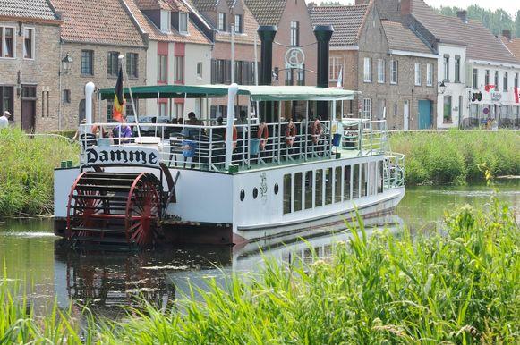 De bekende toeristenboot Lamme Goedzak.