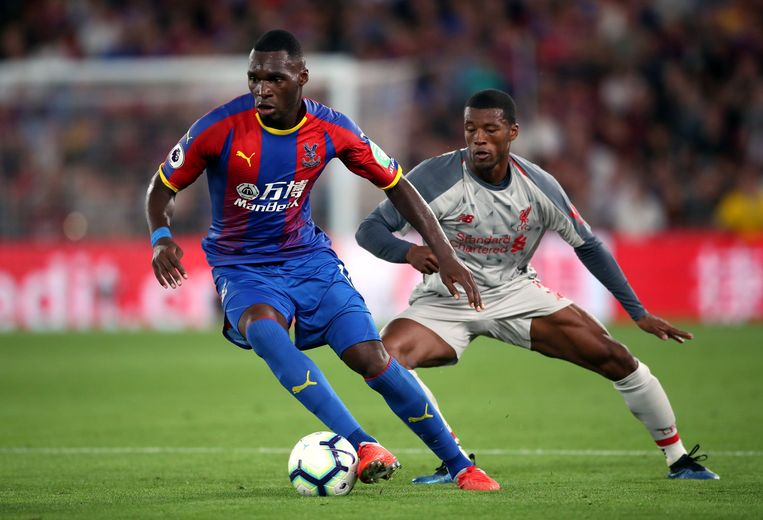 Crystal Palace's Christian Benteke (left) and Liverpool's Georginio Wijnaldum during the Premier League match at Selhurst Park, London. © PHOTO NEWS / PICTURE NOT INCLUDED IN THE CONTRACTS  ! only BELGIUM !