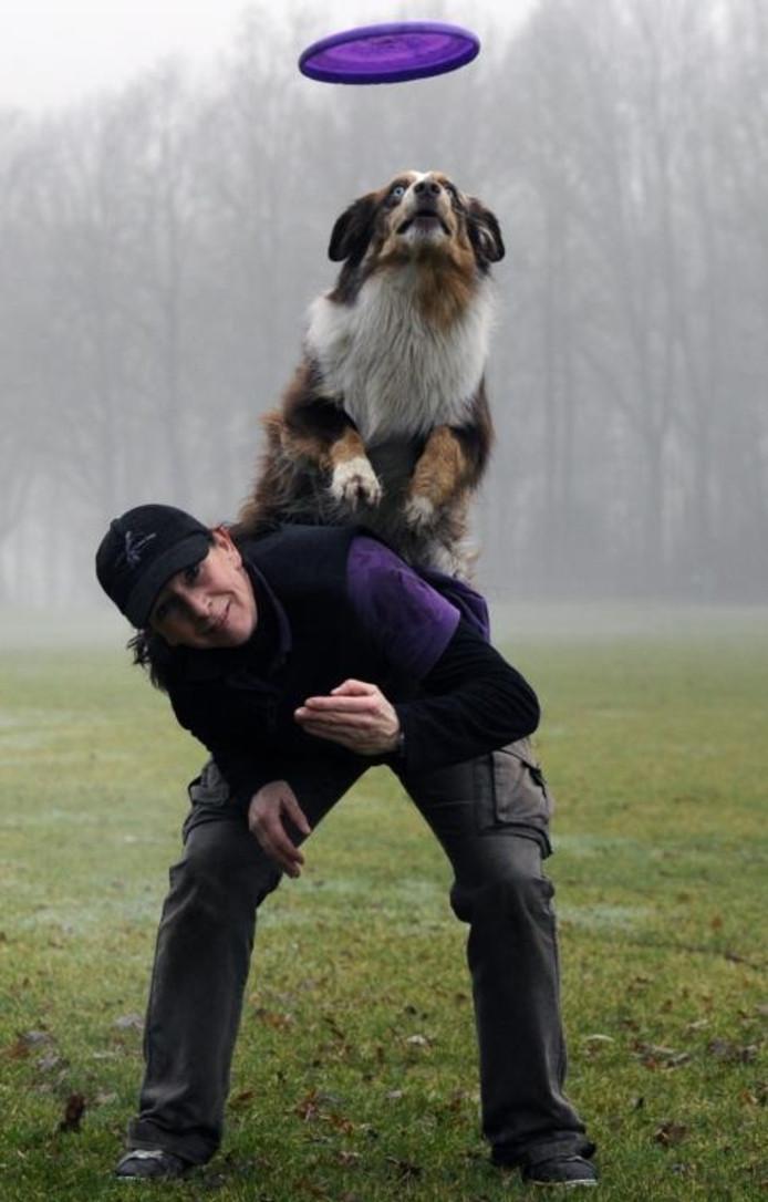 Puck van der Marel van Amazing Frisbee Dogs uit Geldrop organiseert The Halloween Cup 2011.archieffoto Jackie Corbier