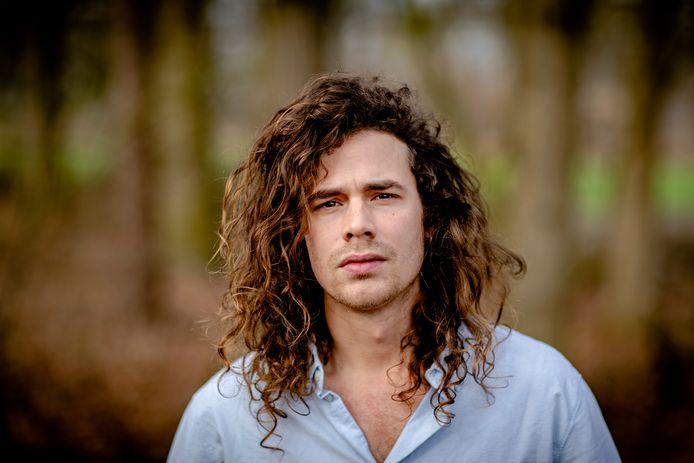 Lucas Hamming geeft 8 augustus twee shows bij Domusdela in Eindhoven.