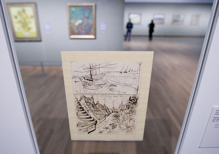 Een van de brieven uit de tentoonstelling 'Van Goghs brieven. Een kunstenaar aan het woord' in het Van Gogh Museum in 2009. Beeld ANP