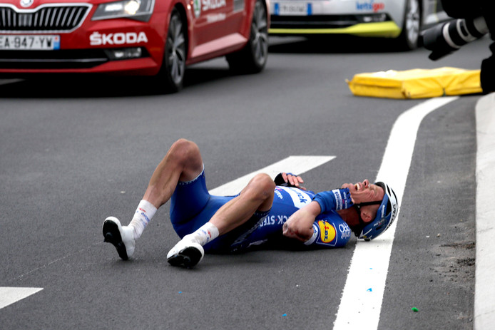 Iljo Keisse smakte hard tegen het asfalt tijdens Parijs-Roubaix.