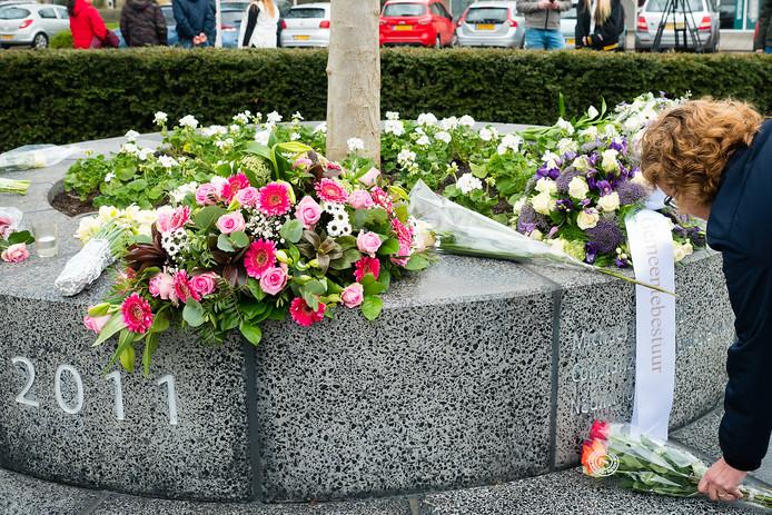 Herdenking vorig jaar van het schietdrama in Alphen aan den Rijn.
