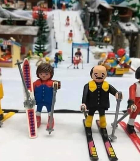 """Les Bronzés font du ski"" en Playmobil"