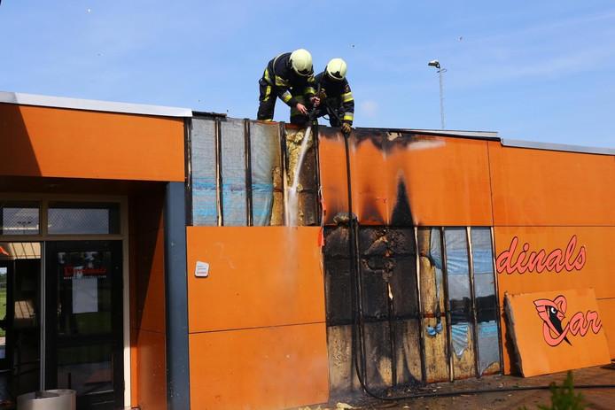 Het isolatiemateriaal van het clubhuis in Oss vatte vlam