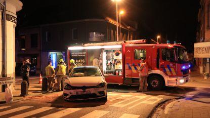 Twee auto's botsen: bestuurster in shock