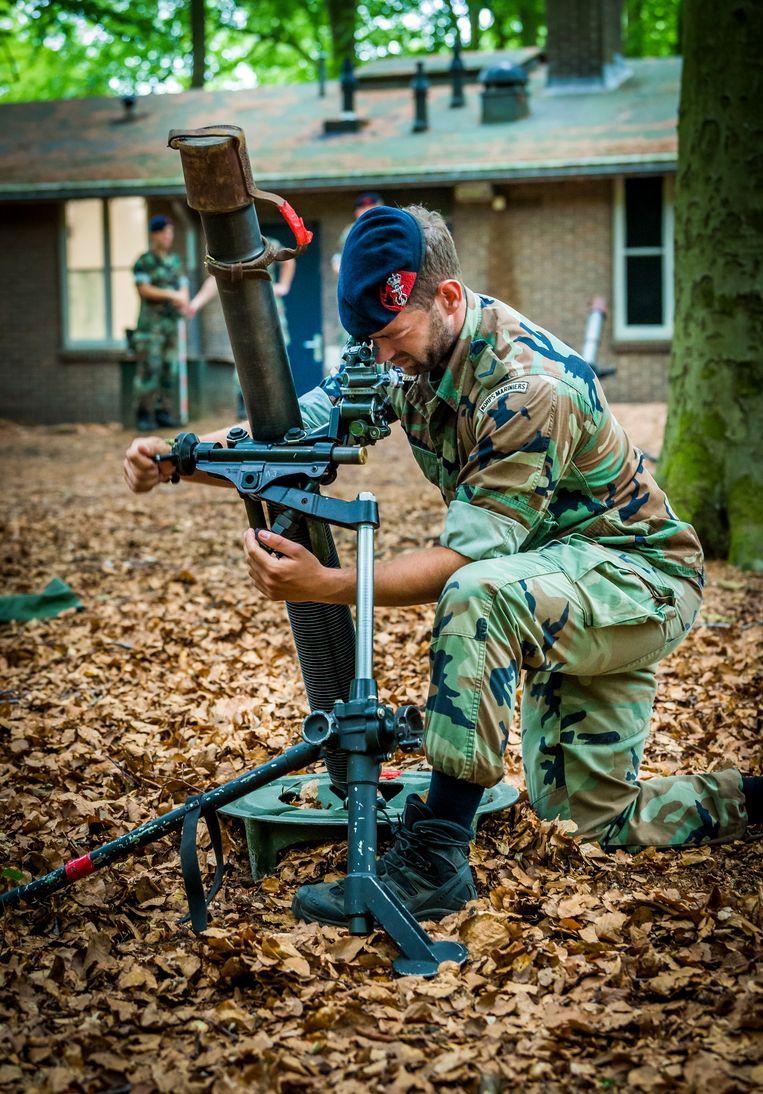 Mariniers tijdens wapenlessen op de kazerne in Doorn (2018). Beeld ANP XTRA