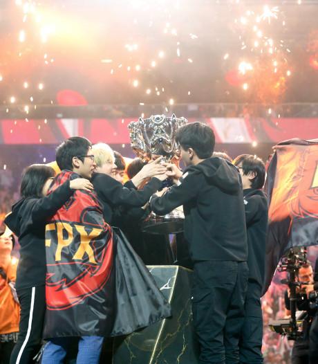 L'équipe chinoise FPX remporte les Mondiaux de League of Legends à Paris