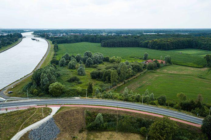 De windmolens zouden op deze locatie komen in Zandhoven.