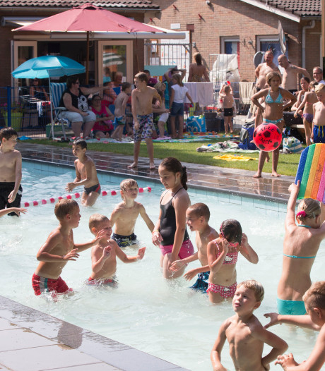Renovatie zwembad Tuindorp begint, met dank aan gemeenteraad Wageningen