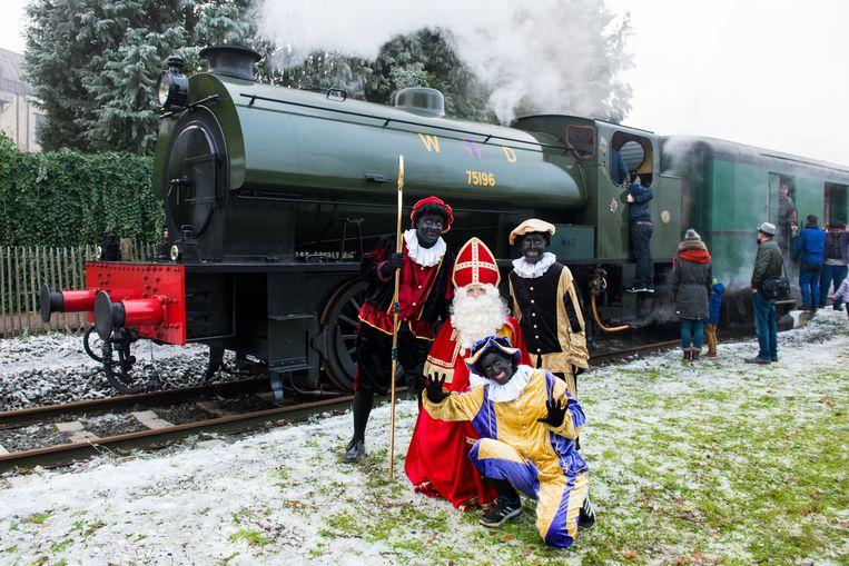 Sinterklaas neemt de Stoomtrein.