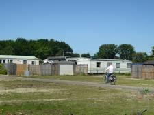 Een kapotte tuinkabouter is alles wat herinnert aan de ooit zo knusse camping Duinrand