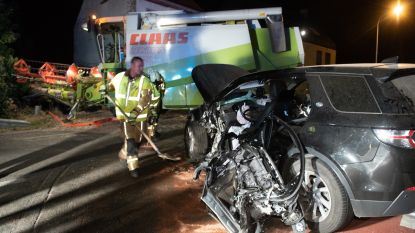 Automobilist zwaargewond na klap tegen landbouwvoertuig:  weg tussen Oudenaarde en Brakel afgesloten