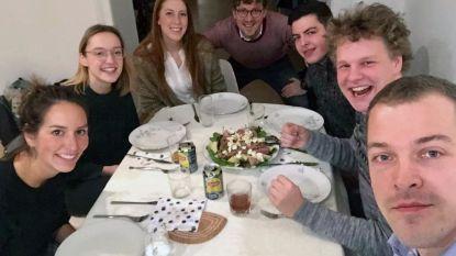 Liesbeth Vandermeeren (CD&V) kookt voor studenten in blok