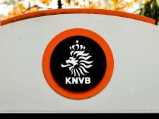 KNVB praat met arbiters over VAR