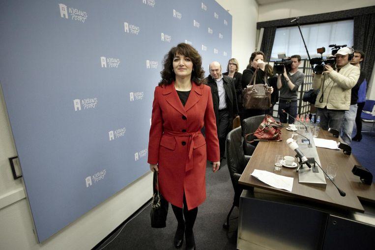 Persconferentie van de op non-actief gestelde COA-directeur Nurten Albayrak, 19 april 2012. Beeld Martijn Beekman