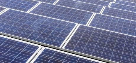 Initiatiefnemer stelt bouw zonnepark Rouveen uit