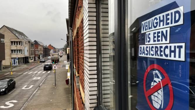 Affiches met tekst 'Veiligheid is een basisrecht' verspreid na granaatincidenten