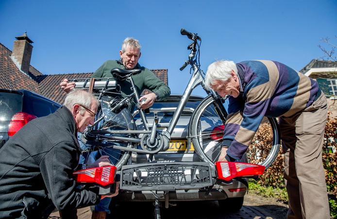 Op de foto vlnr: Albert Wester, Hans Nieuwenhuis en Stef van Uum.