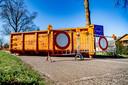 Een containers op de grensovergang tussen Chaam (Nederland) en Meerle (België)