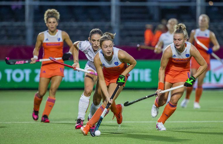 Marijn Veen in actie tijdens de wedstrijd tegen België op het Europees kampioenschap hockey. Beeld ANP