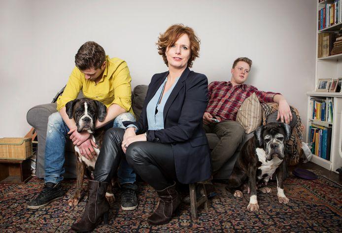 Puberexpert Marina van der Wal met haar twee (inmiddels volwassen) zoons.