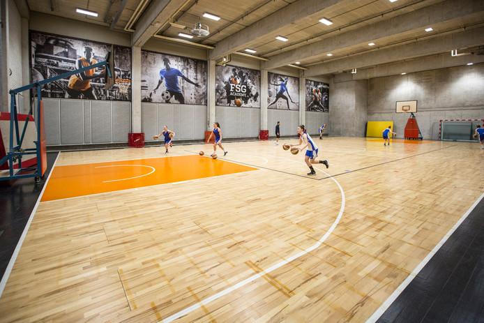Eén sporthal is al in gebruik op het Wegener-complex. Daar komen er nog twee bij.
