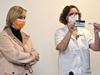 """REO Veiling krijgt gratis sneltests van Vlaamse regering: """"Schoolvoorbeeld van essentieel bedrijf"""""""