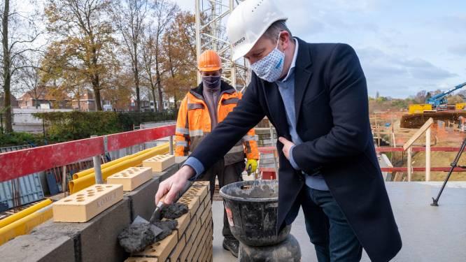 Eerste steen gelegd op Kometsite: van vervuilde fabriek tot duurzame woonwijk