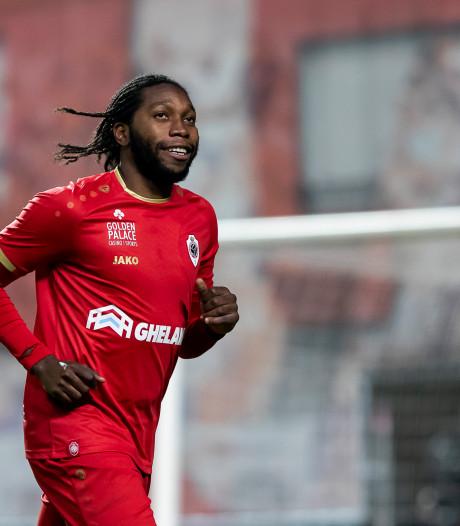 Dieumerci Mbokani leidt Antwerp naar vierde plek in België