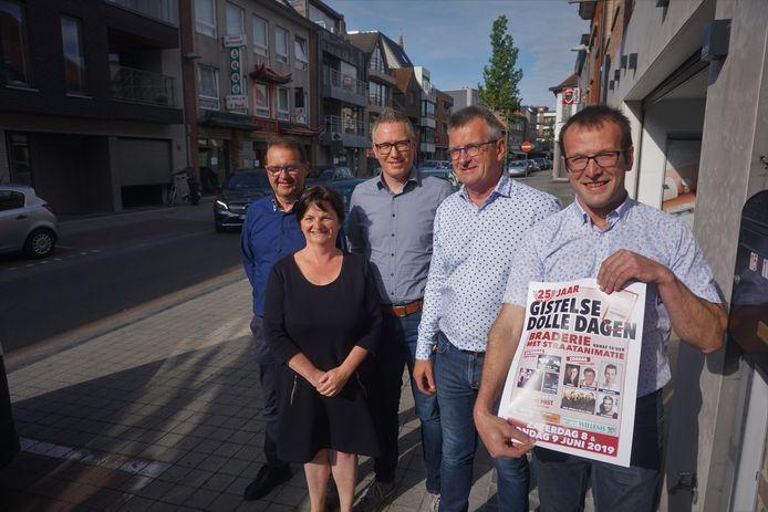 (vlnr) Peter Dumarey, Carine Dalle, Jeroen Lernout, Geert Capelle en Thomas Janssens zijn de stuwende krachten van de Handelaarsbond