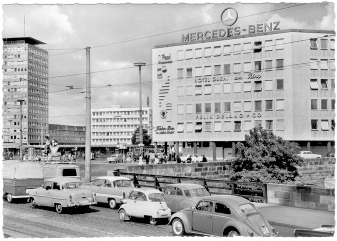 Het straatbeeld van 1961: zo zie je goed hoe veel ruimte een dwergauto bespaart