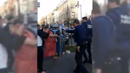 Agent gebruikt traangas tijdens  corona-interventie nadat jongen (18) omstanders ophitst tegen politie