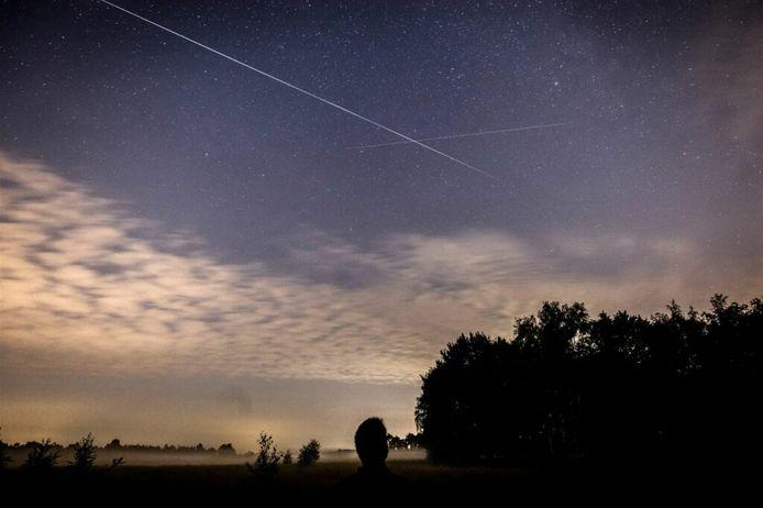 Een vallende ster boven de Strabrechtse Heide in Geldrop.