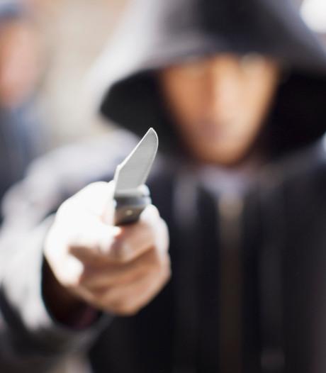 Twee jongens (13) bedreigd met mes en beroofd in Middelburg
