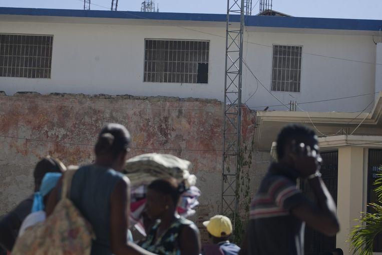 De gevangenen zaagden de tralies van de gevangenis in Saint Marc door en wisten via het raam te ontsnappen.