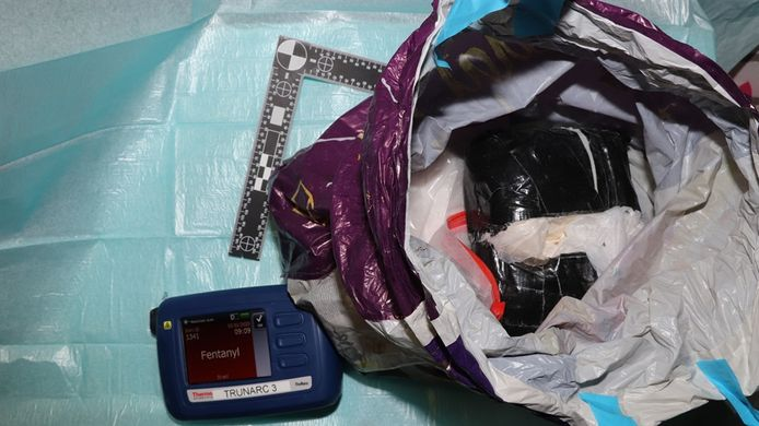 Een kilo van het uiterst gevaarlijke fentanyl werd gevonden in een boodschappentas n het schuurtje van de 42-jarige Eindhovenaar.