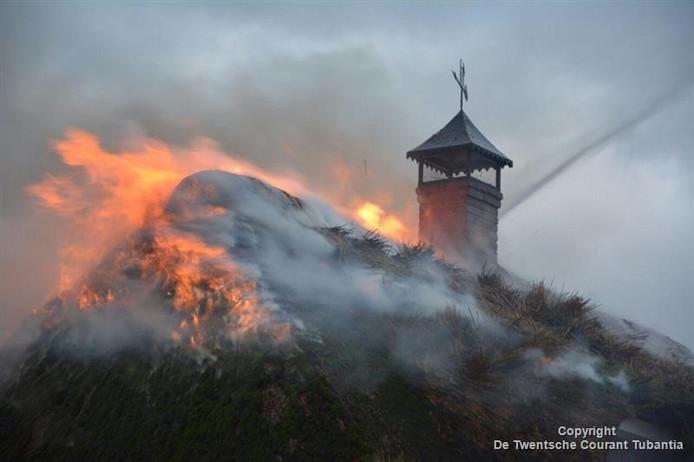 Een van de branden waarvoor moest worden uitgerukt, was een schoorsteenbrand aan de Bisschopsweg in Den Ham.