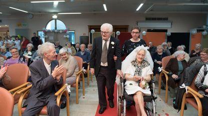 Koppels herhalen huwelijksbeloftes na 60 jaar