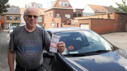 """""""Beboet omdat ik aan mijn woning parkeer"""": probleem met digitale bewonerskaarten"""