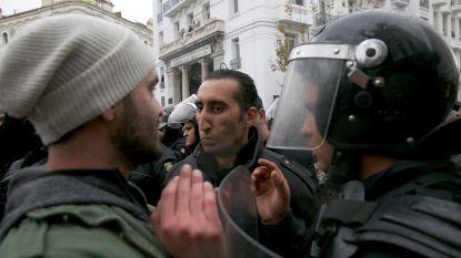 Al bijna 800 betogers vast in Tunesië