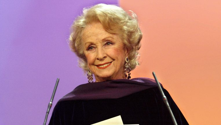 Danielle Darrieux in 2002.