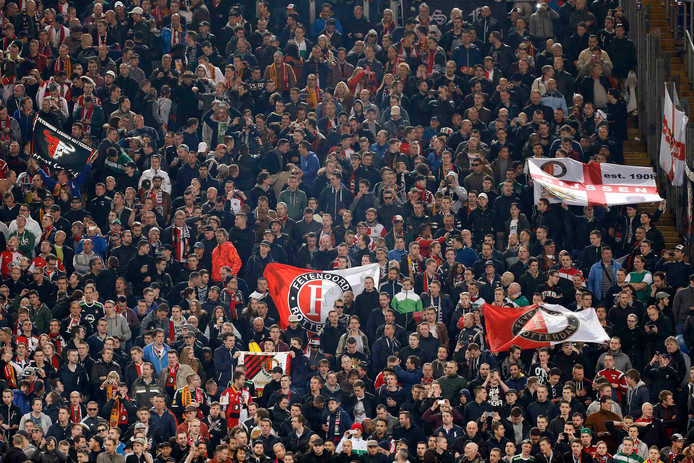 Supporters van Feyenoord mogen hun club donderdag toch steunen in de return tegen Dinamo Tbilisi.