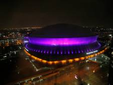 Wereld kleurt paars om Prince te eren