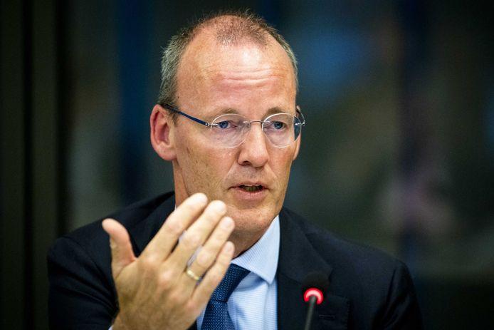 DNB-president Klaas Knot was maandag te gast in de Tweede Kamer om parlementariërs bij te praten over het beleid van de Europese Centrale Bank en de gevolgen voor pensioenfondsen.
