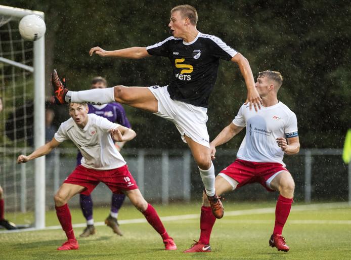Jip Kemna scoorde drie keer namens Quick'20 tegen Quick Den Haag.
