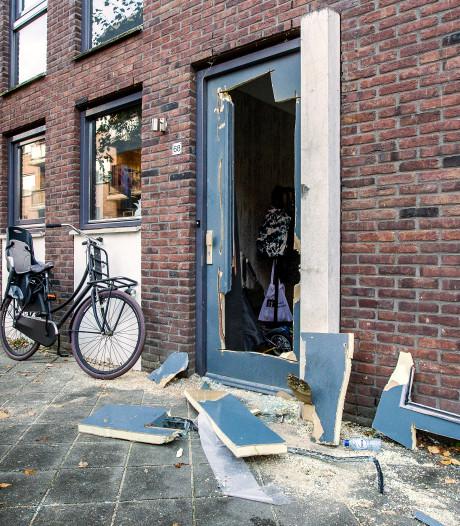 Politie gaat uit van zwaar vuurwerk bij explosie Raambuurt Deventer, nog geen aanhoudingen