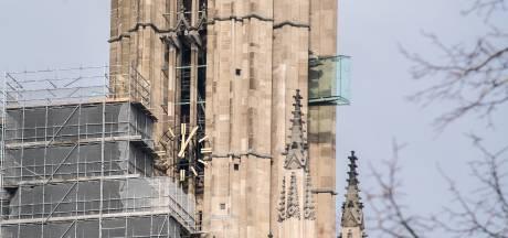 Techno van 8Bahn en Overstuur vanaf glazen balkons Arnhemse Eusebiuskerk